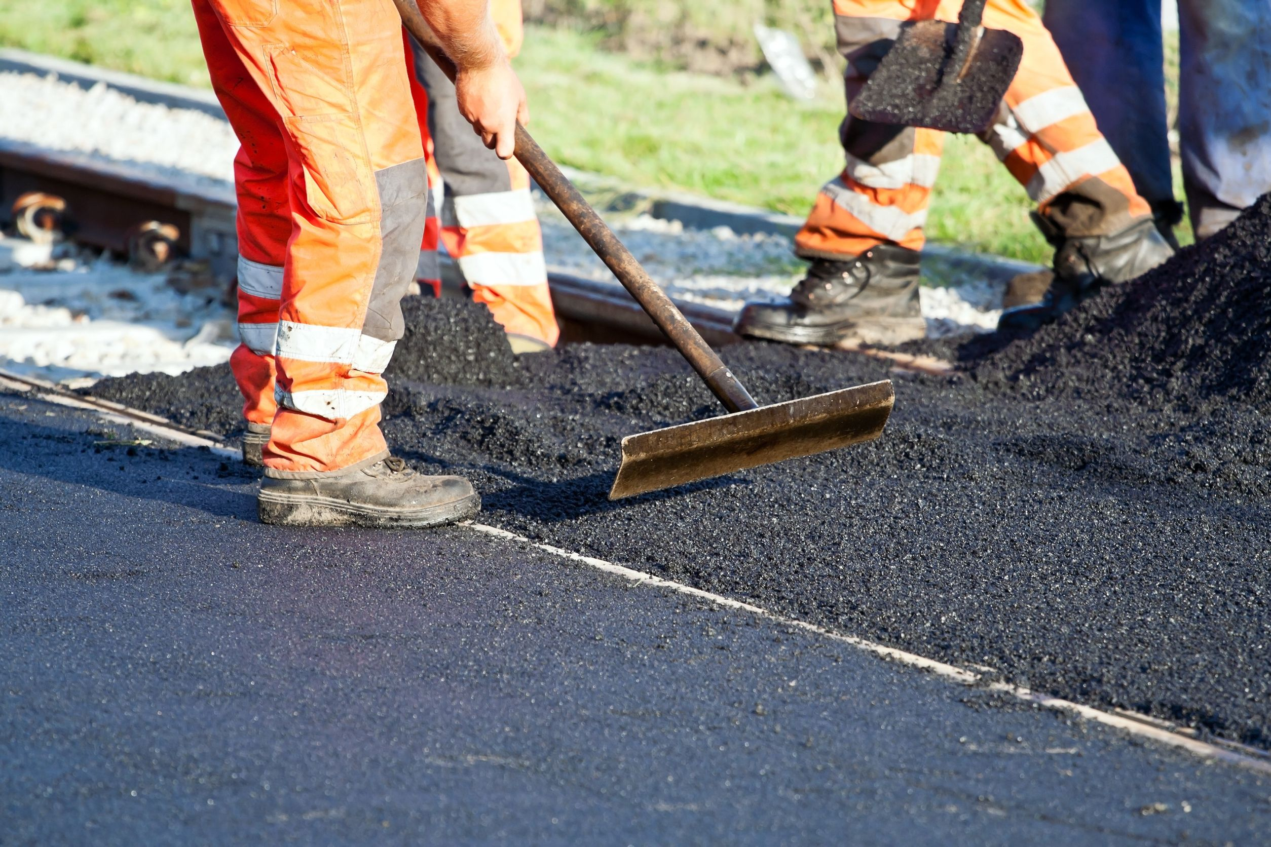 12026541 l - 5 Ways to Protect Your Asphalt Pavement from Water Damage
